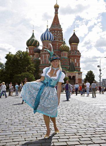 ga-zauber-dirndl-abroad-moskau-3